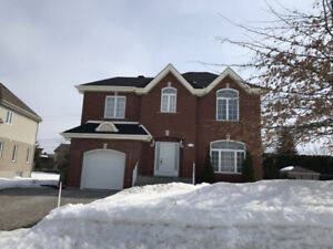 Beautiful  house with 4+1 bedrooms  in ILE-Bizard for Rent