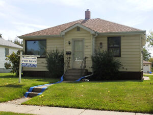 Great Red Deer Bungalow - Available now - WILL NOT LAST