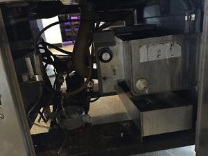 Dol-Fyn under counter dishwasher Gatineau Ottawa / Gatineau Area image 3