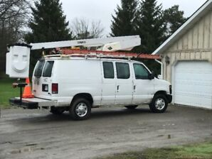Ford E350 Bucket Truck with VersaLift 29