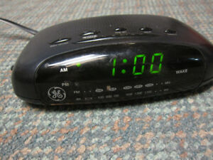 GE Alarm Clock with AM/FM Radio
