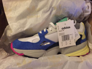 limited Adidas Falcon - Deadstock - size 5