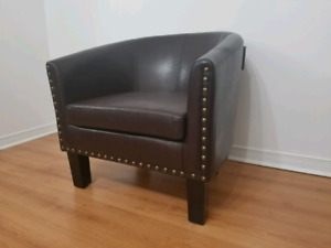 Beautiful Accent Tub Chair