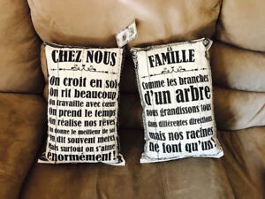 Set of 2 Brand new French family display decorative pillows