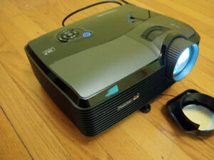 Viewsonic PRO8200 Video Projector with ceiling mount and screen