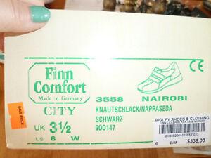 Finn womens comfort shoes