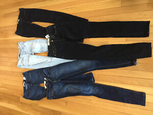 5 Pairs of Hollister Jeans 00R