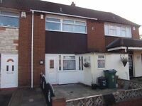 Dss&working accepted 3 berkshire close west bromwich b71 2sj 3 bedroom house large kitchen