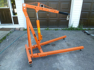 2 Ton Engine hoist for rent