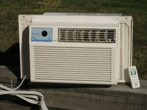 Window air conditioner with remote