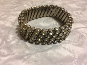 Vintage rhinestone expandable bracelet. 1950's