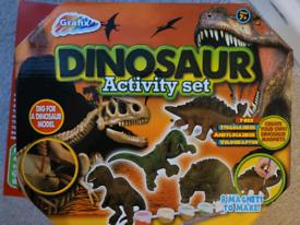 Dinosaur Activity Set