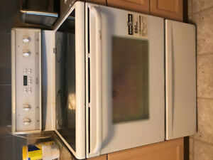 Frigidaire Smooth Top Electric Range Model PFEF373AS1