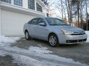 2010 Ford Focus ,SEL,Leather,Sunroof, Mint Condition