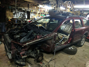 Volvo XC70 (Cross country) parts