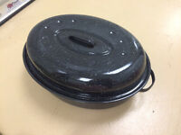 Large Black Turkey/Chicken Cooking Pot Cleaned in Great Conditi