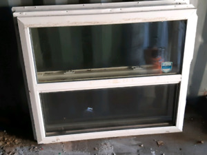 2 vinyl windows
