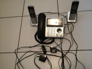 V-Tec Telephone/Answering Machine, 2 extra handsets