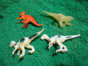 4 Mini Figure Dinosaurs