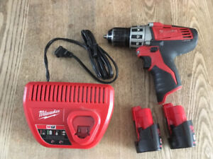 Perceuse/Visseuse 3/8  M12 Milwaukee