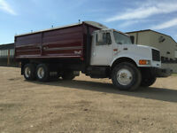 1999 International Tandem Grain Truck