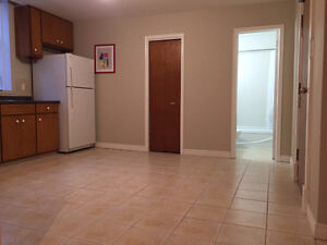 bright clean 2 bedroom apt in downtown lindsay