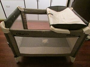 Graco Playpen - Like New Condition