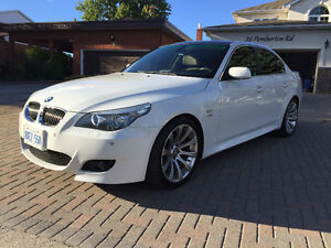 2008 BMW 528i LUXURY package&M package with white exterior&light