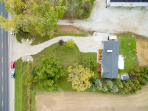 JUST LISTED.. COUNTRY RANCH IN LAKESHORE
