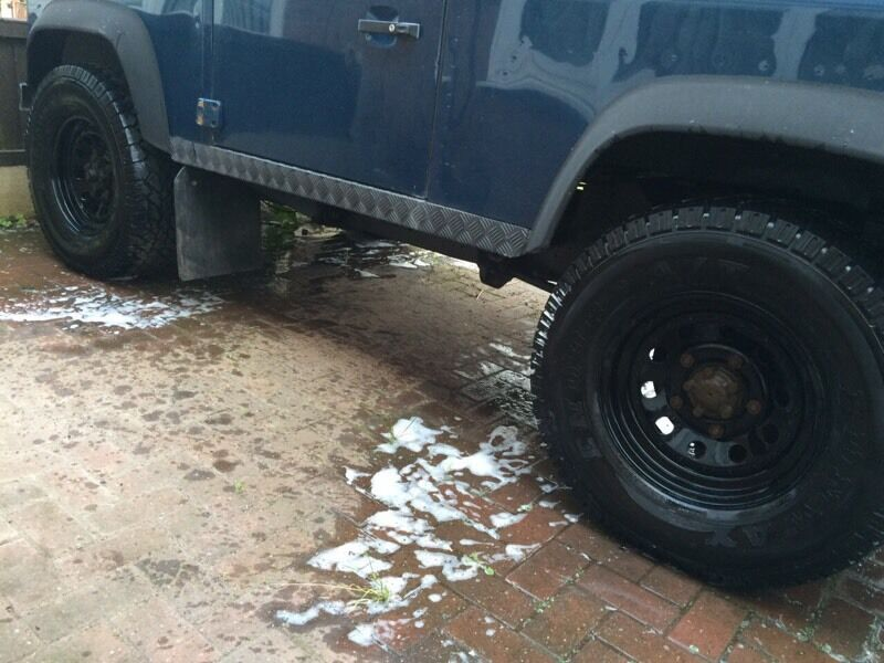 Land Rover 90 Defender Modular Wheels And Tyres 265 75 16