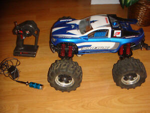 RC USE TRAXXAS NITRO 4WD STOCK TMAXX TRUCK WITH PULLSTART