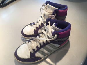 Souliers de basketball fille Adidas