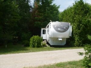 2009 Landmark 5th Wheel For Sale