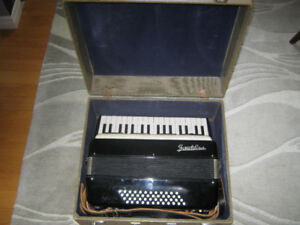 Buy and sell , Musical Instruments > Pianos and Keyboards