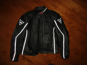 Manteau Dainese - Pantalons Alpinestar (EN EXCELLENTE CONDITION)