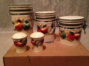 5-piece Kitchen Canisters Set