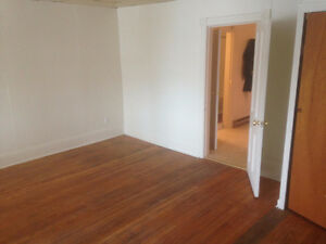 Large Clean 1 Br Available now in Campbellford Peterborough Peterborough Area image 4