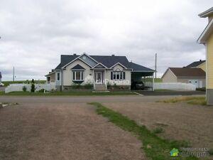 Maison construite en 2009, entièrement achevée.