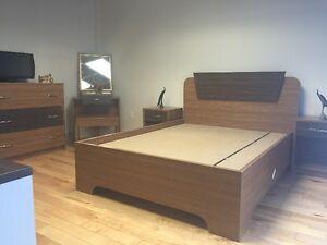 BEDROOM SET / SET DE CHAMBRE A COUCHER