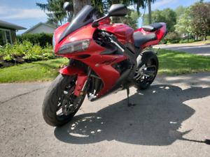 Yamaha R1 2004  *Prix révisé*