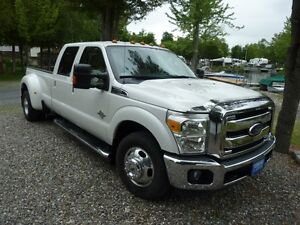 2011 Ford F-350 Lariat Camion