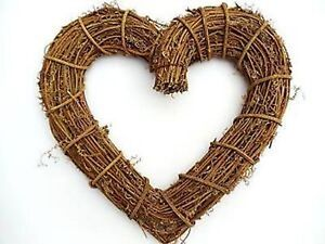NEW-GISELA-GRAHAM-CHRISTMAS-HEART-SHAPE-NATURAL-TWIG-WREATH-WEDDING-DECORATION