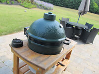 EXTRA LARGE BIG GREEN EGG BBQ/SMOKER WITH CYPRESS TABLE  $1000.