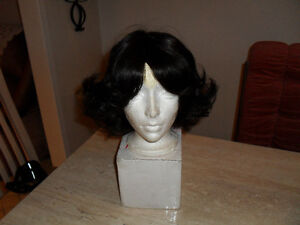 Crown synthetic wigs (2) for Halloween cosplay - $15 West Island Greater Montréal image 2