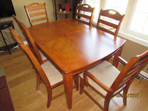 Dining set - Mint condition