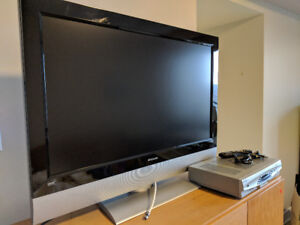 Polaroid Big Screen TV and Videotron Box