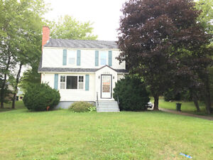 3 Bedroom House on Bus Route - Middle Sackville