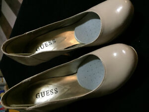 GUESS HIGH HEEL PLATFORM PUMPS, size 5 , Beige/ tan and in Black