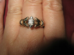 10K Yellow Gold .25 Marquise Diamond Ring Size 6