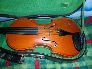 Vintage Violin and case Unkown Maker $300.